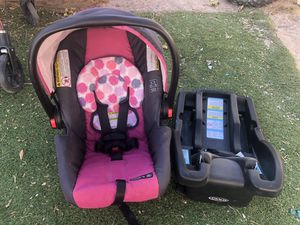 Graco car seat and base *New for Sale in Las Vegas, NV
