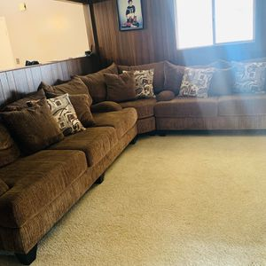 Robert Michael Ltd 3 Piece Sectional Couch / Sofa for Sale in San Diego, CA