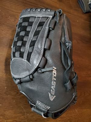 Softball - Easton Glove Black for Sale in Chino Hills, CA