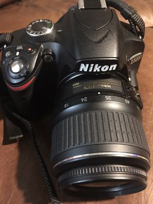 NIKON D3200 with 2 lenses and a tripod for Sale in Austin, TX