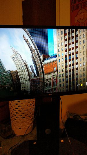 LG 32 inch T.V with stand for Sale in Lutz, FL