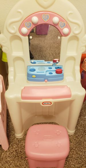 Little Tykes Vanity for Sale in Commerce City, CO