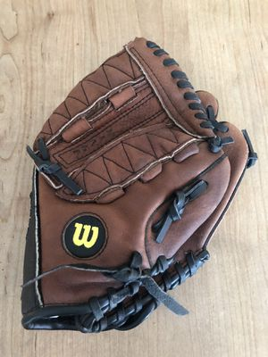 "Wilson A2479 Leather 10.5"" Youth Baseball Glove Excellent Condition! for Sale in Phoenix, AZ"