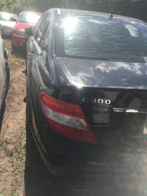 08 Mercedes c300 for parts for Sale in Orlando, FL