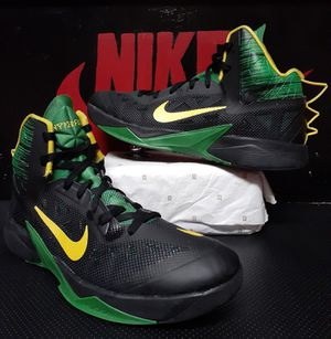 Nike hyperfuse 2013 Oregon size 14 make offer first come first serve no trades perfect condition for Sale in Cleveland, OH