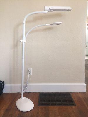 OttLite W9437T-SHPR 18-watt easy view lamp for Sale in Cashmere, WA