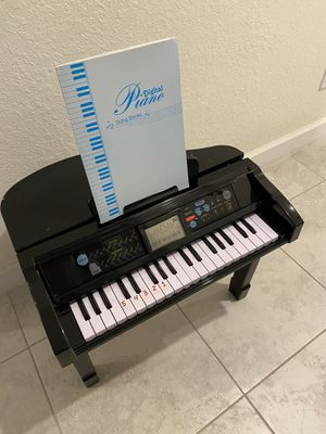 Piano for 2 years to 6 years beautiful!!!! for Sale in Vero Beach, FL