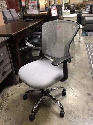 Grey Midback Mesh Office Chair for Sale in Santa Fe Springs, CA