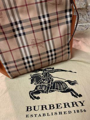 Original burberry bag Orange color/ SALE for Sale in Miami, FL