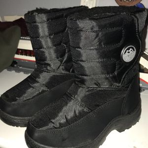 Snow boots Size 12 Toddler for Sale in Las Vegas, NV