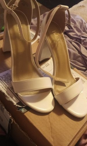 Bella marie chunky white heels size 10 for Sale in Winter Park, FL