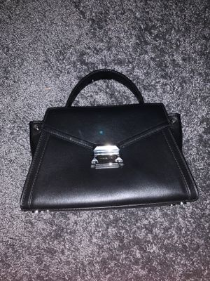 Michael Kors Bag *LIKE NEW* for Sale in Annandale, VA