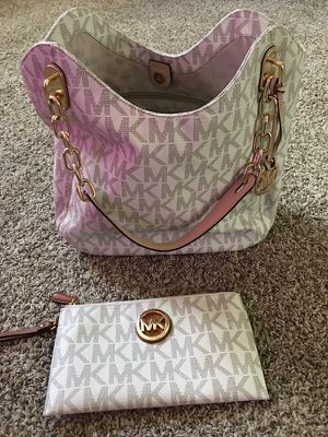 Michael Kors purses & matching wallets for Sale in Crosby, TX