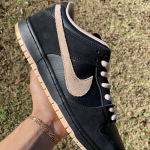 """Nike SB Dunk Low """"Black Washed Coral"""" for Sale in Knightdale, NC"""