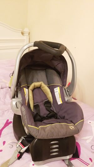 baby trend car seat for Sale in MAGNOLIA SQUARE, FL