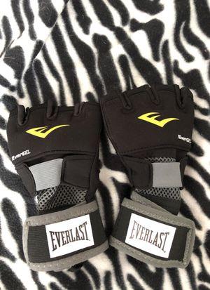 Everlast boxing gloves size medium for Sale in Miami, FL