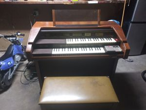 Organ works good for Sale in Quakertown, PA