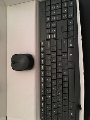 Logitech wireless keyboard and mouse for Sale in Boston, MA