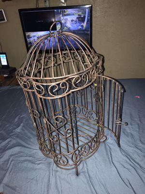 Deceptive small bird cage for Sale in MAGNOLIA SQUARE, FL