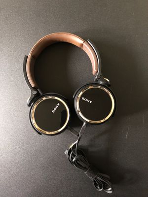 Sony noise cancelling (over ear) headphones for Sale in San Diego, CA