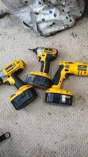 18v DeWalt drill set charger included for Sale in Des Moines, IA