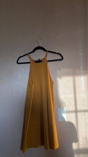 Flowy Yellow Forever 21 Dress M for Sale in Moreno Valley, CA