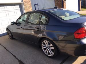 2006 bmw 325i only 80k miles automatic for Sale in Broken Arrow, OK