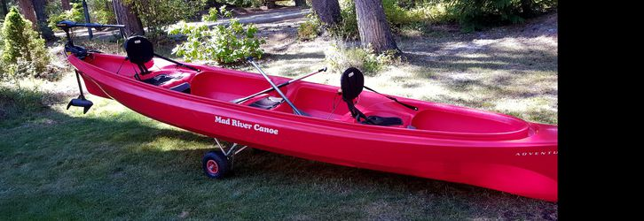 Canoe 16' Mad River with electric motor for Sale in Leavenworth,  WA