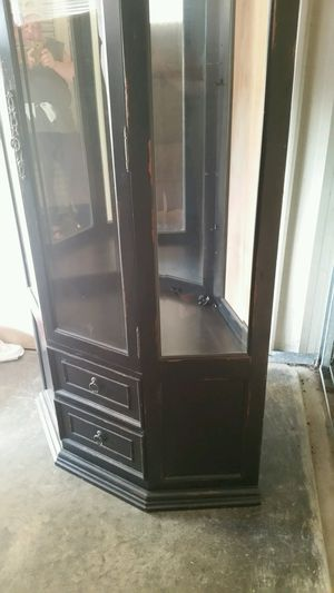 Corner curio for Sale in High Point, NC