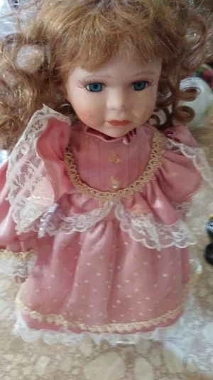 Antique doll for Sale in Gray Court, SC