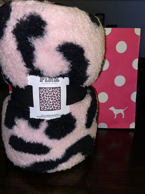 vs pink cozy sherpa blanket new for Sale in El Monte, CA