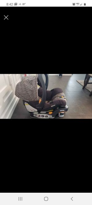 Chicco key fit 30 car seat for Sale in Lutz, FL