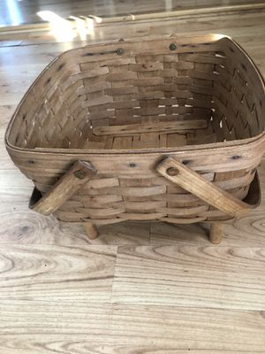 Longaberger hand woven basket signed TAG 1988 for Sale in San Diego, CA