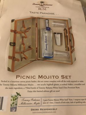 Tommy Bahama mojito picnic set (New) for Sale in Worcester, MA