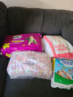 Baby girl diapers free for Sale in Los Angeles, CA
