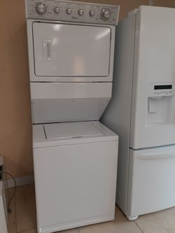 Whirlpool Stackable Washer/Dryer for Sale in Fort Myers,  FL
