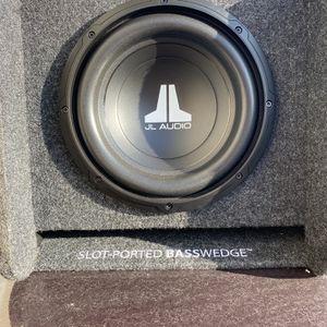 "JL Audio 10"" Sub In JL Box for Sale in Antioch, CA"