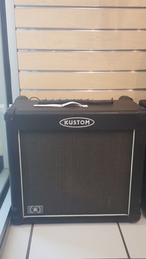 KUSTOM AMPLIFIER for Sale in Coronado, CA