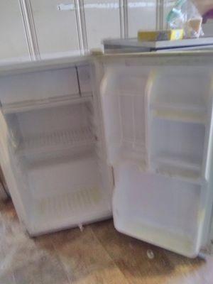 Minnie fridge for Sale in Sulphur, OK