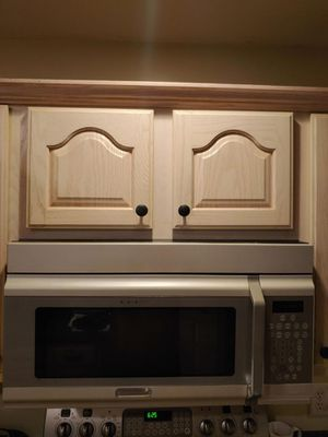Frigidaire Over The Range Microwave for Sale in Millersville, PA