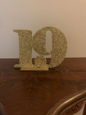 1-20 glittery table numbers for Sale in Franklin, MA