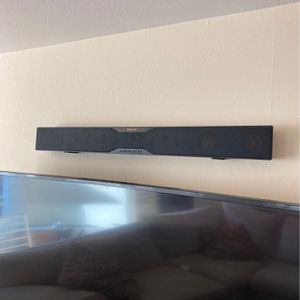 Klipsch sound bar wireless sub and bluetooth for Sale in Novato, CA