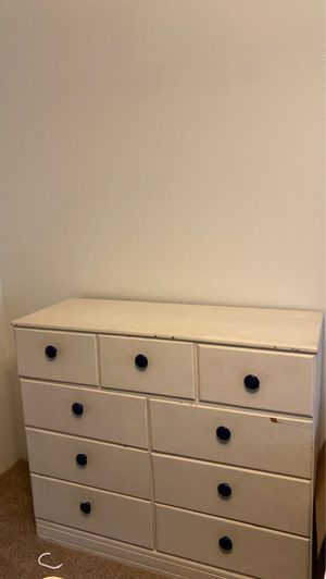 FREE White 9 drawer Dresser for Sale in Seattle, WA