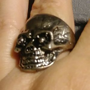 Silver Plated Cracked Skull Ring Size 9 for Sale in Pico Rivera, CA