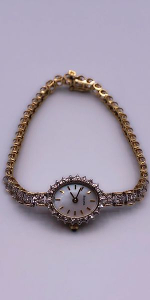 Bulova 14k Real Gold Tennis Bracelet Watch with Diamonds Reloj de oro for Sale in Huntington Park, CA