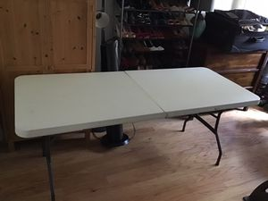 Table. 9 ft. Good condition for Sale in Chicago, IL