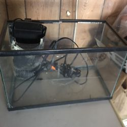 Small Fish Tank for Sale in Elgin,  IL