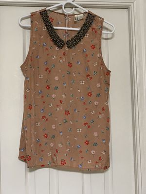 Clothes - I am selling two bags of clothes. It's all in good condition. for Sale in Hialeah, FL