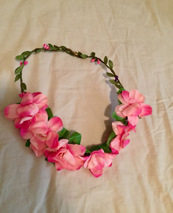 NWT Girl OS (2T - Size 3, 4, 5, 6, 7, 8) Adjustable Pink Flower Wreath Hair Accessory