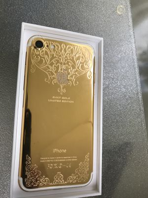 Limited Edition Unlocked 256gb iPhone with Diamond Cluster and 24K Gold Customization for Sale in Danville, PA